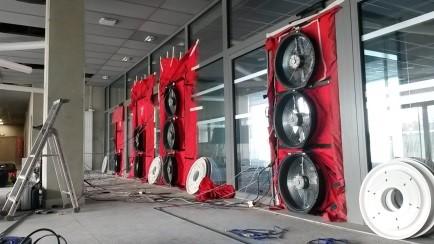 Une vue de l'installation des ventilateurs